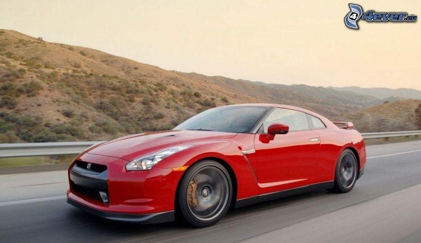 Nissan GTR, acelerar, colina
