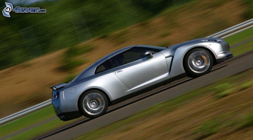 Nissan GTR, acelerar