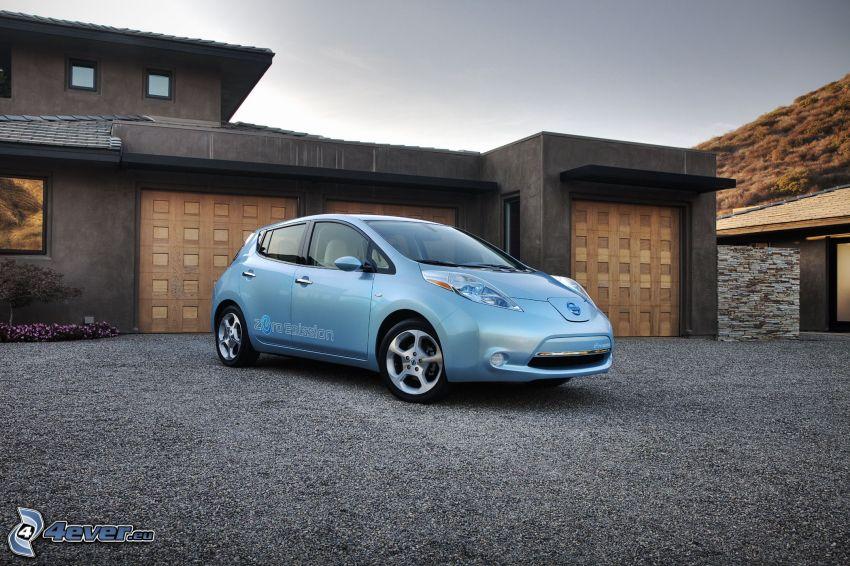 Nissan Leaf, garaje
