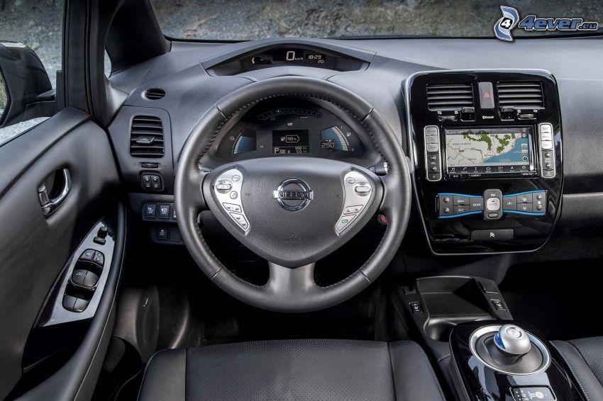 Nissan Leaf, interior, cuadro de mandos - salpicadero, volante, navegación