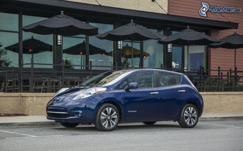 Nissan Leaf, restaurante, terraza
