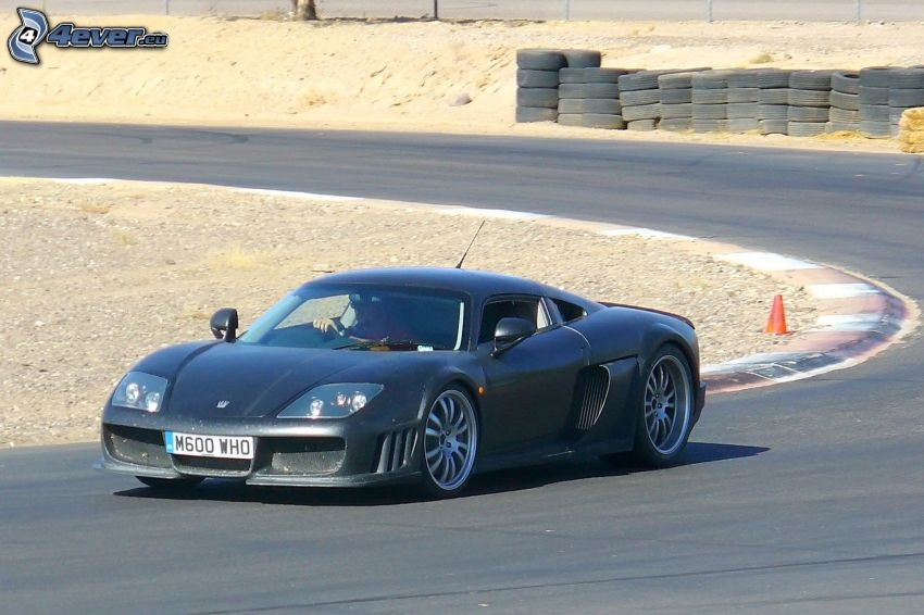 Noble M15, carreras en circuito