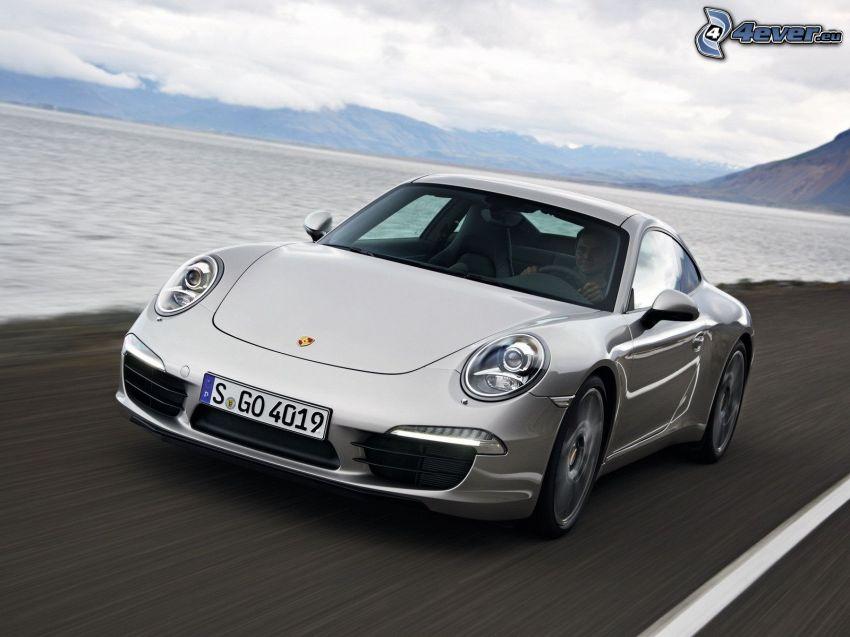 Porsche 911, lago, montañas