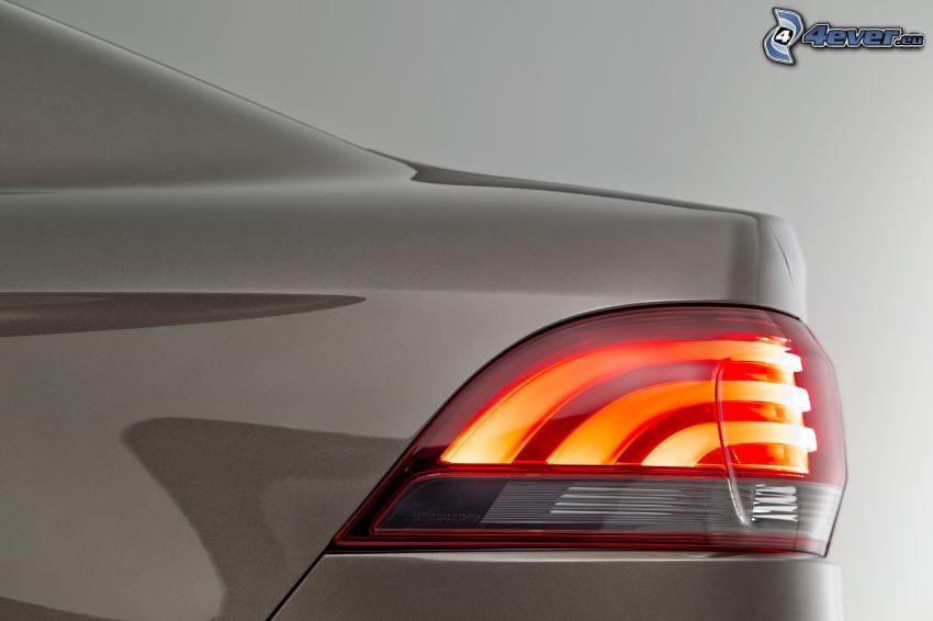 Qoros 3 Sedan, luz trasera