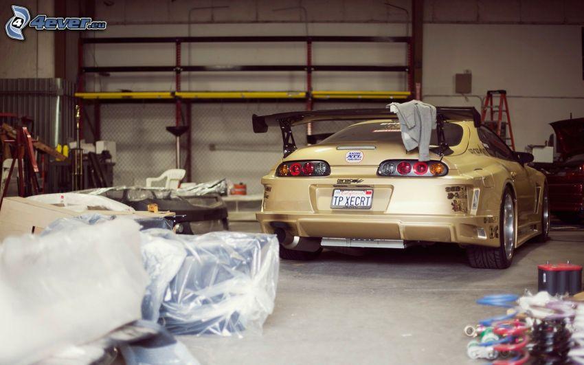 Toyota Supra, coche deportivo, taller