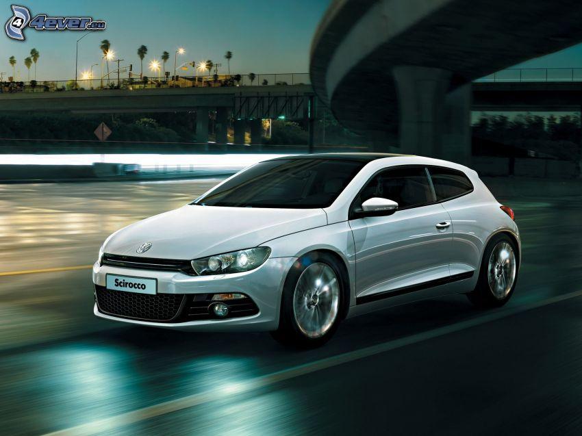 Volkswagen Scirocco, acelerar, bajo el puente, atardecer