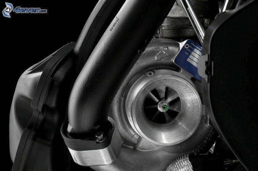 Volvo, motor