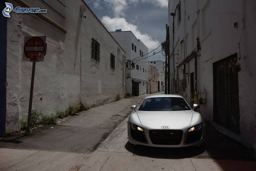 Audi R8, calle