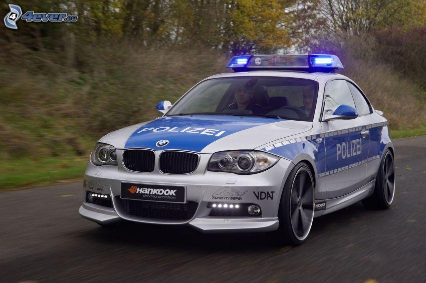 BMW, coche de policía, acelerar