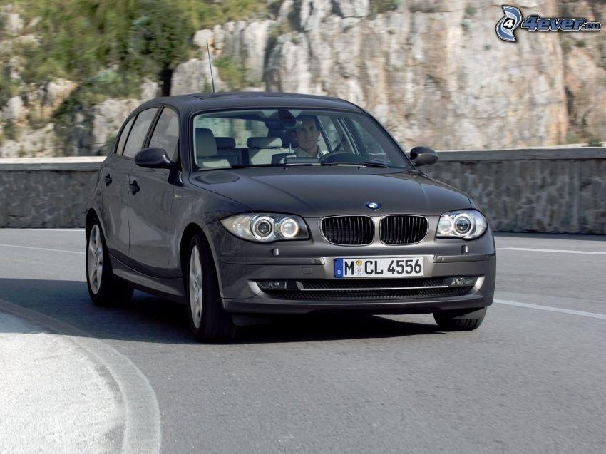 BMW 1, camino, roca