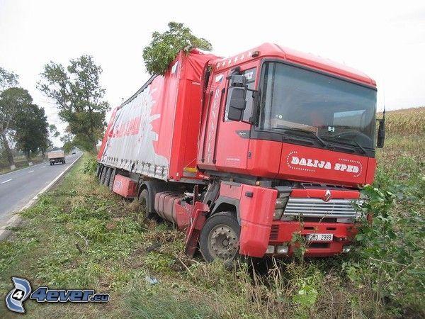 camión, accidente, campo, Renault