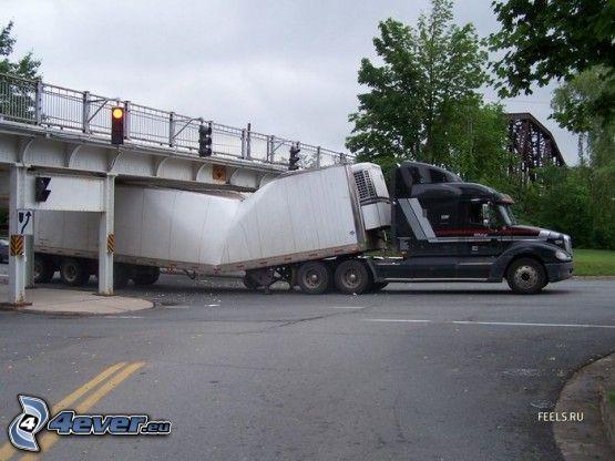 camión, accidente, puente