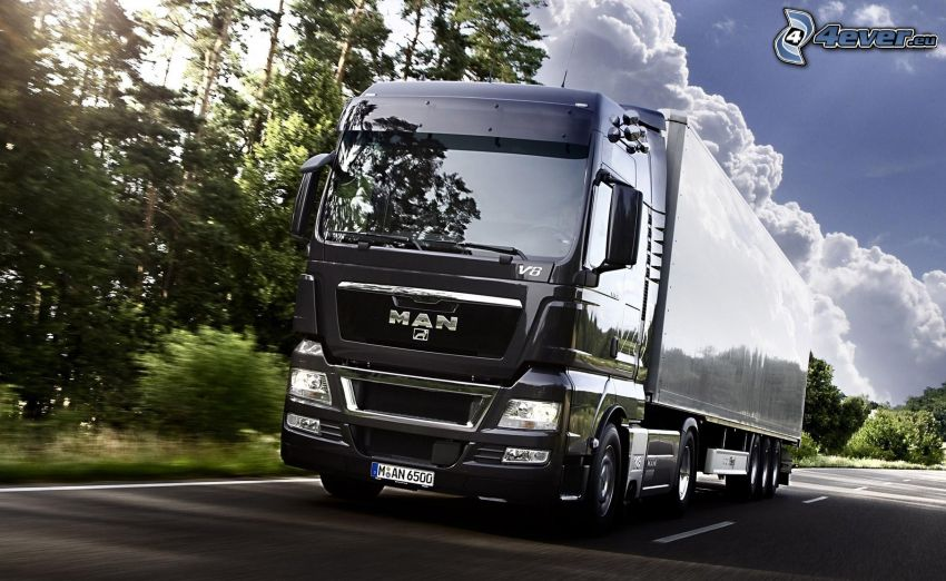 MAN V8, truck, camión, camino, árboles, nubes