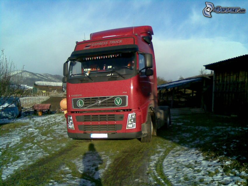 Volvo, camión, cielo