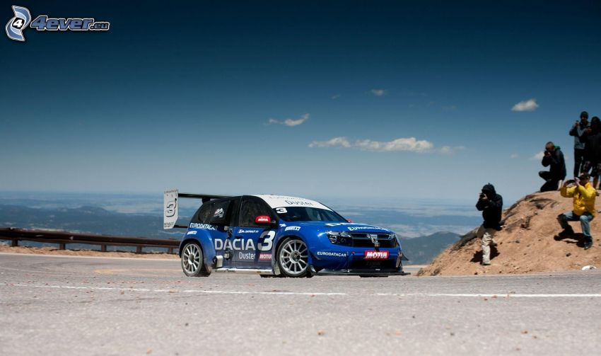 Dacia Duster, coche de carreras, fotógrafo