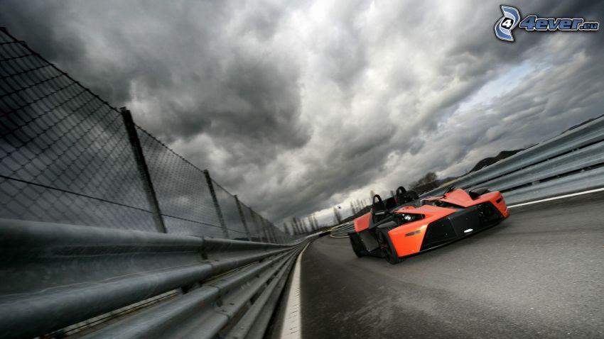 KTM X-Bow, coche de carreras, acelerar, nubes
