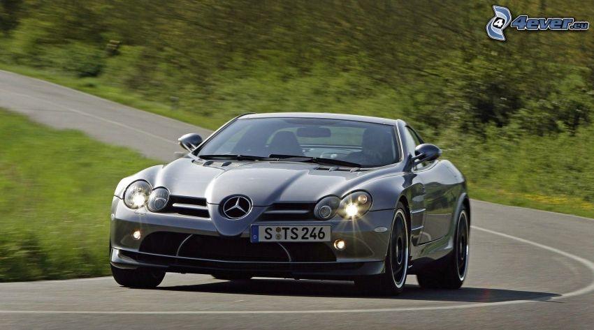 Mercedes-Benz SLR McLaren, curva