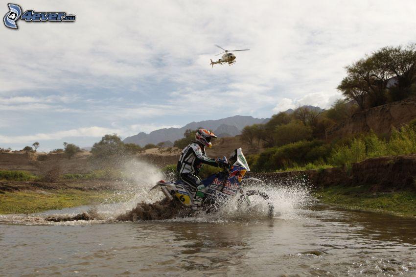 motociclista, motocicleta, agua, helicóptero