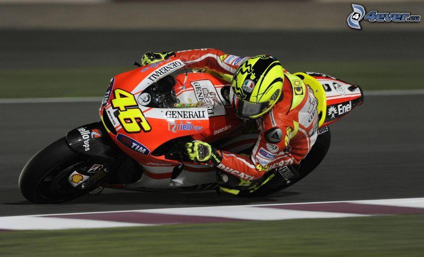 Valentino Rossi, Ducati, acelerar, carreras en circuito