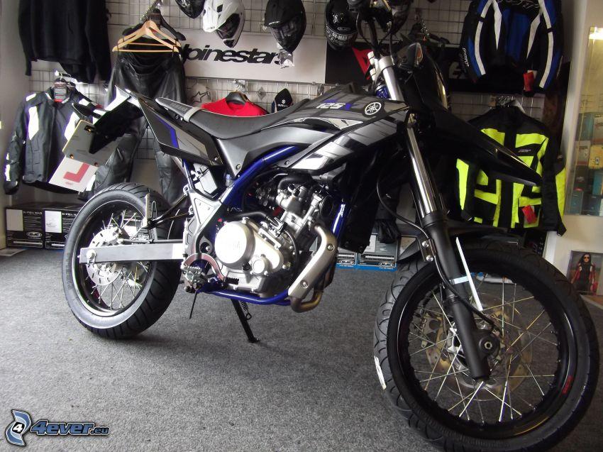 Yamaha WR125, garaje