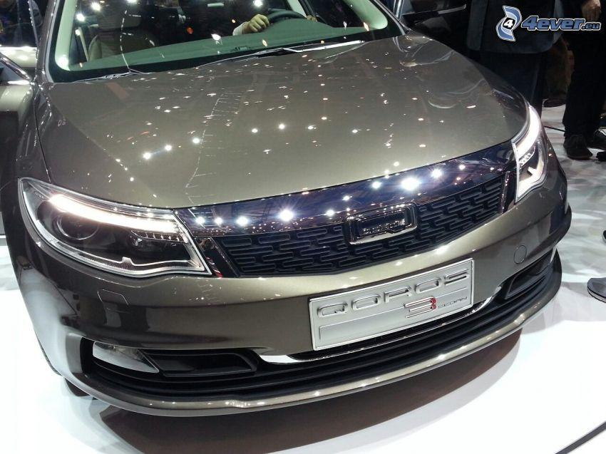 Qoros 3 Sedan, exposición, Motor Show
