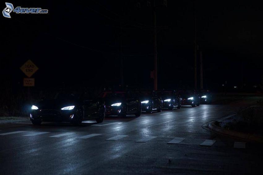 Tesla Model S, noche, iluminación