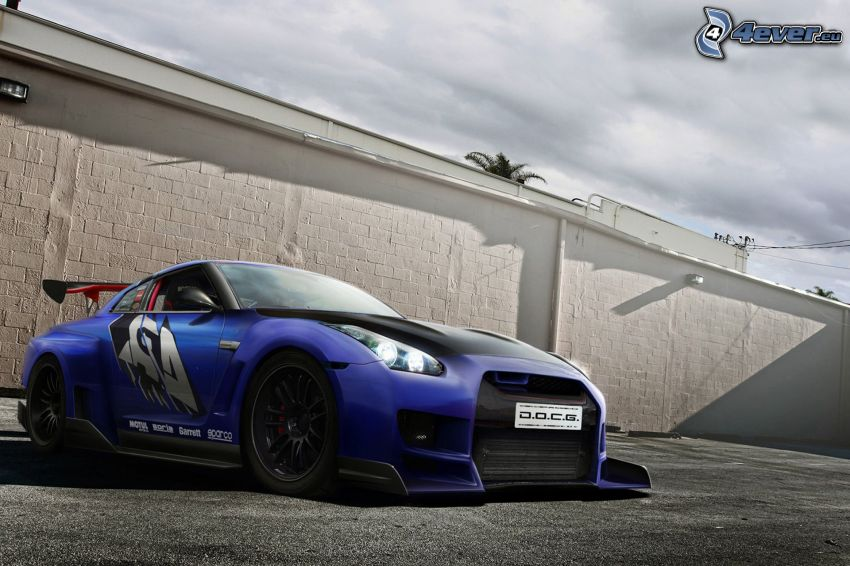 Nissan GTR, lowrider