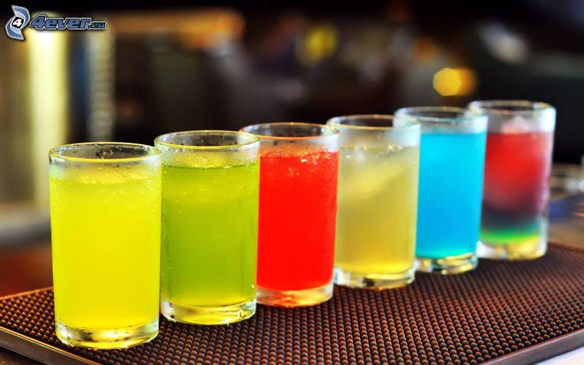 bebidas mezcladas, colores