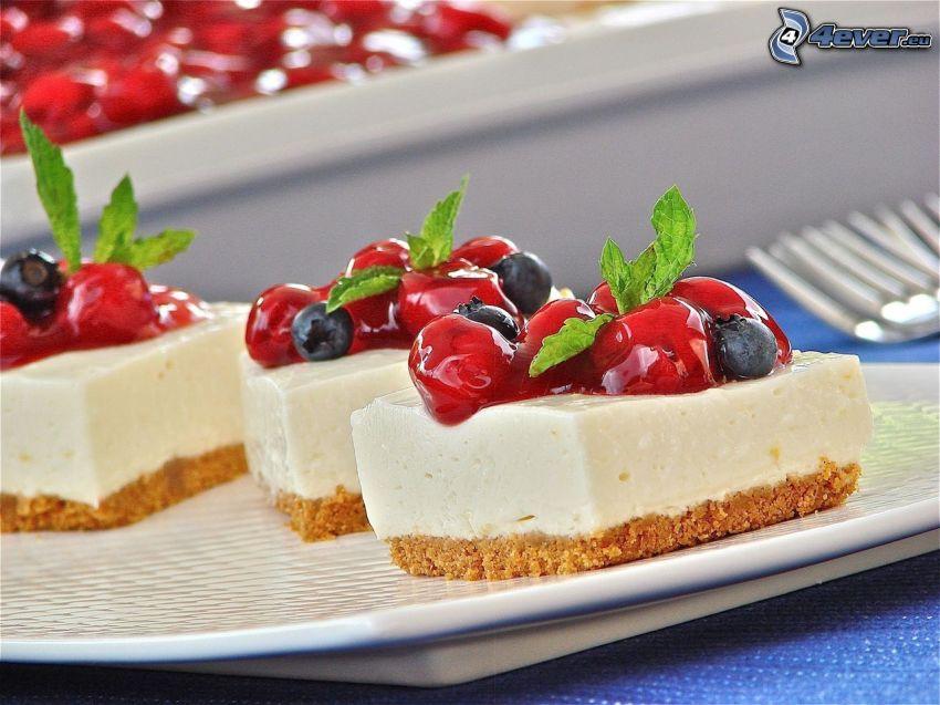 cheesecake, fruta, cerezas, arándanos