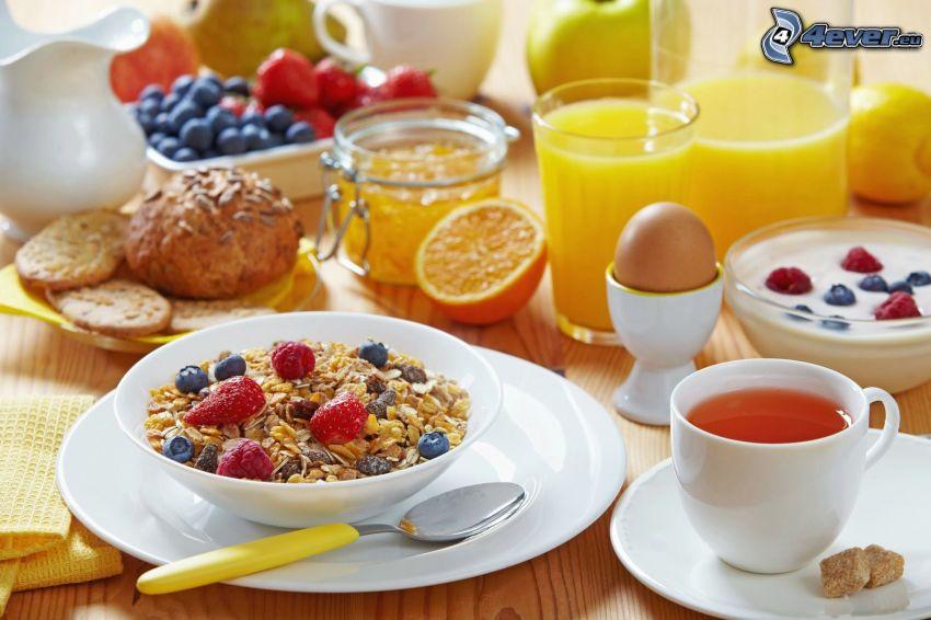 desayuno, cereales, té, jugo de naranja, fruta