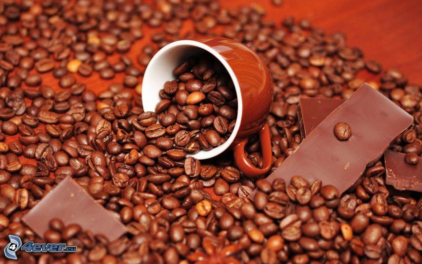 granos de café, taza, chocolate