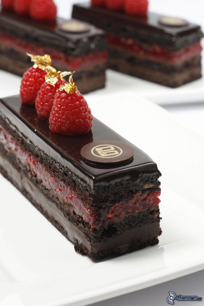 pastel de chocolate, frambuesas