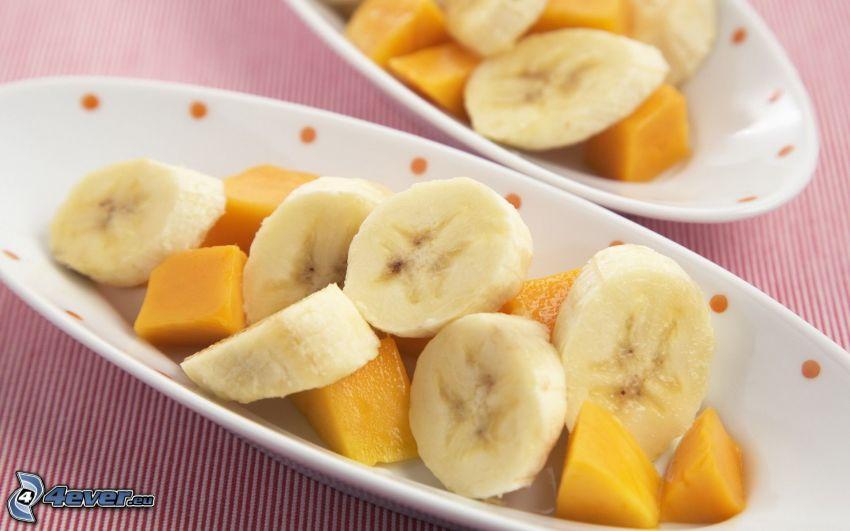 plátano en rodajas, mango