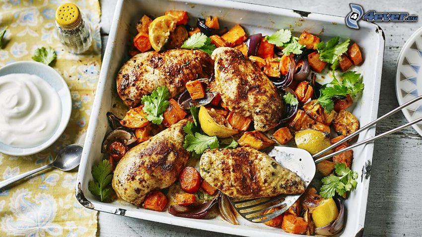 pollo asado, verduras, salsa, almuerzo