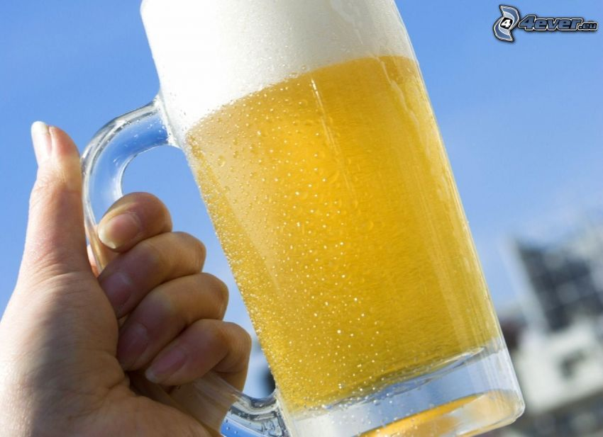 vaso de cerveza, mano