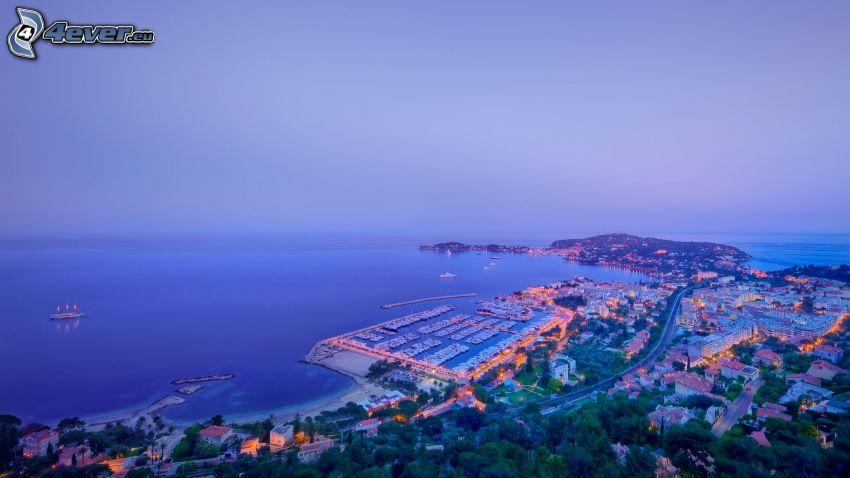 ciudad costera, mar