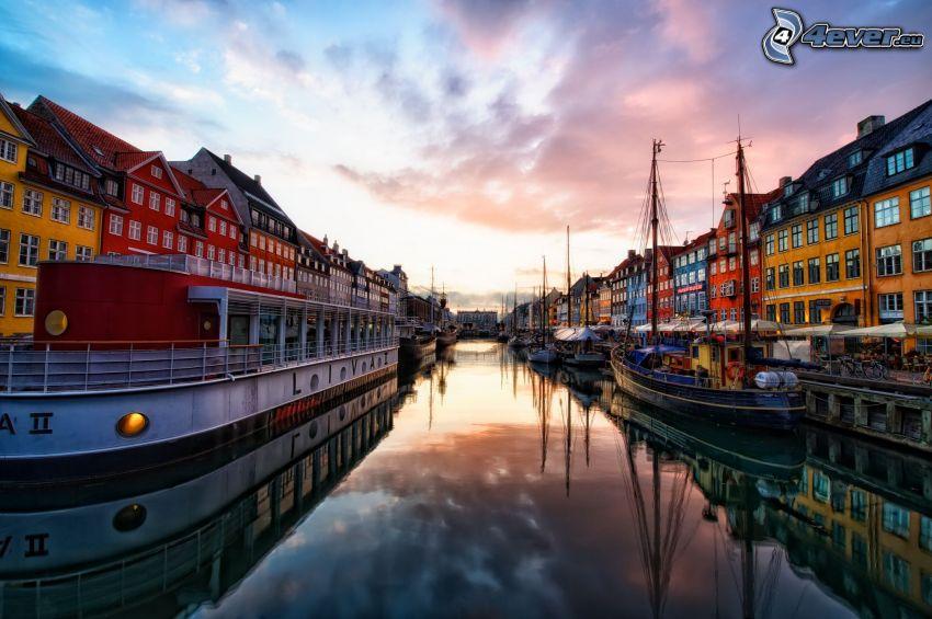 Copenhague, Dinamarca, agua, naves, casas de colores