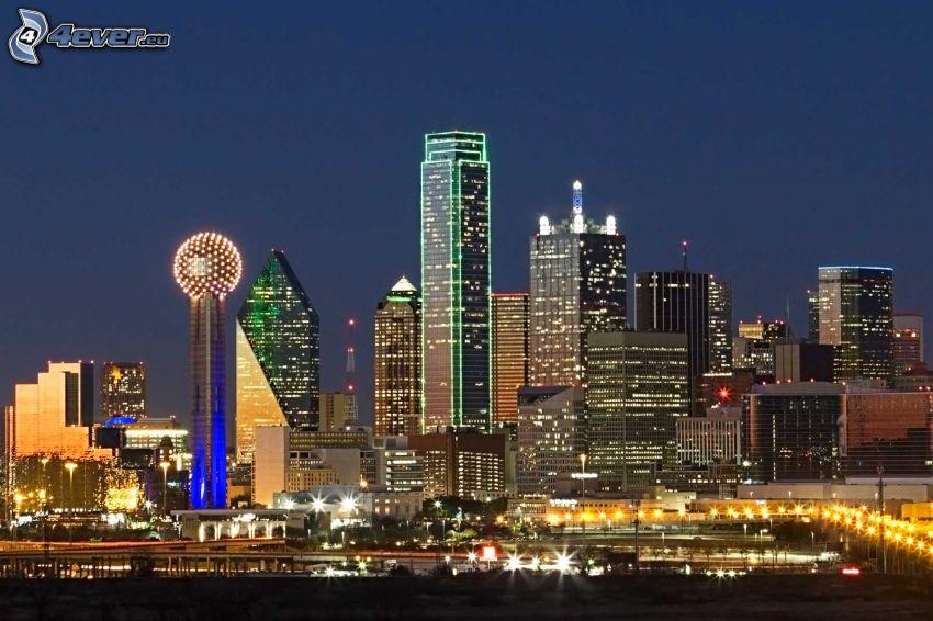 Dallas, rascacielos, ciudad de noche