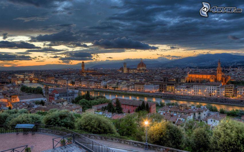 Florencia, vistas a la ciudad, nubes, atardecer, HDR