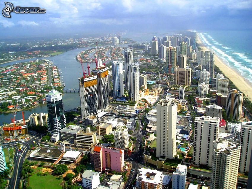 Gold Coast, rascacielos, mar