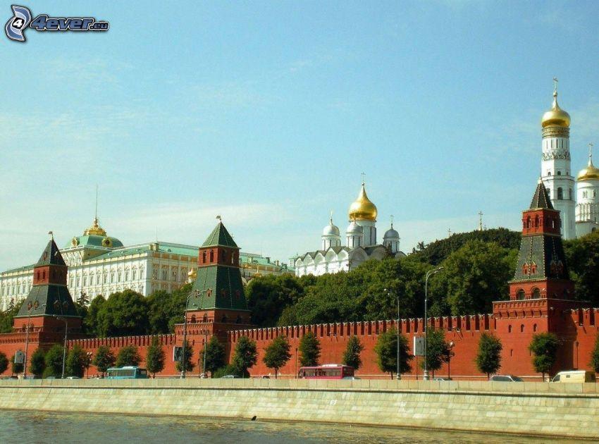 Kremlin, Moscú, orrilla del río