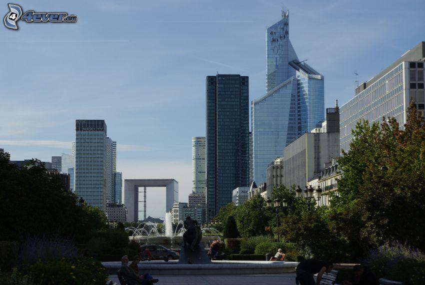 La Défense, rascacielos, árboles, París