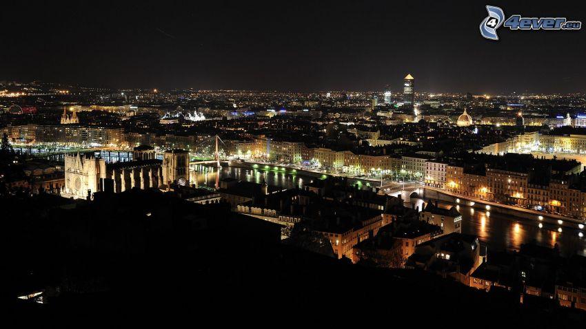 Lyon, ciudad de noche