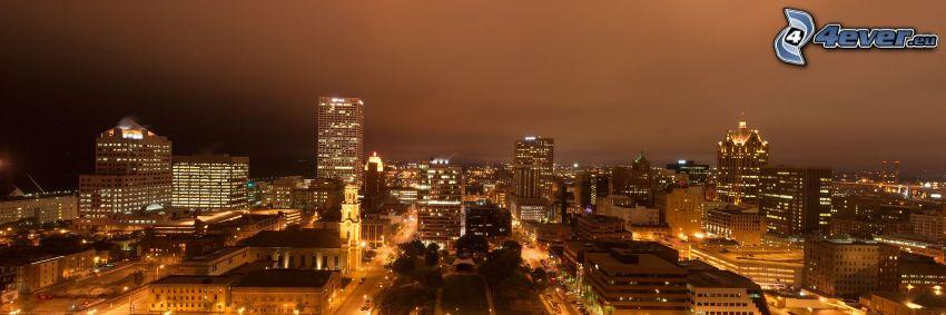 Milwaukee, ciudad de noche