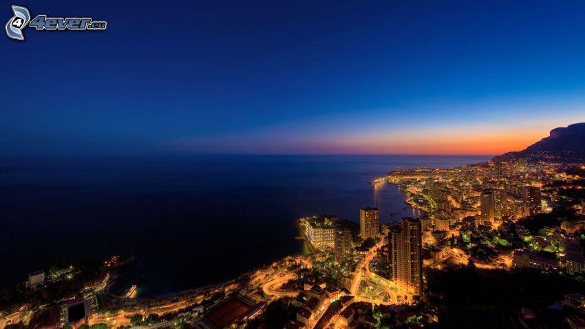 Mónaco, ciudad costera, mar, ciudad de noche