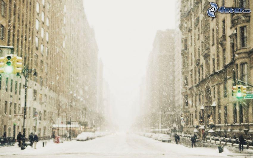 New York, calle cubierta de nieve