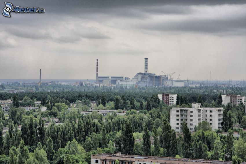 planta de energía nuclear, Prípiat, Chernobyl, bosque, nubes