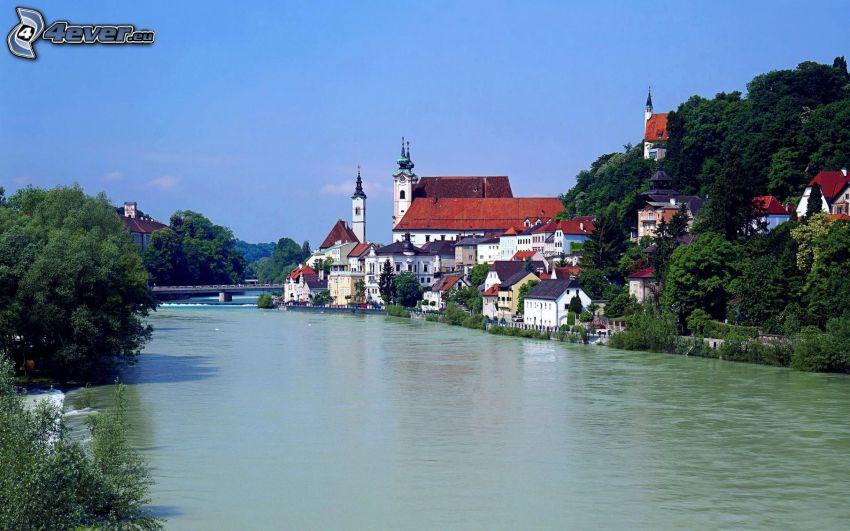 pueblo, río, casas