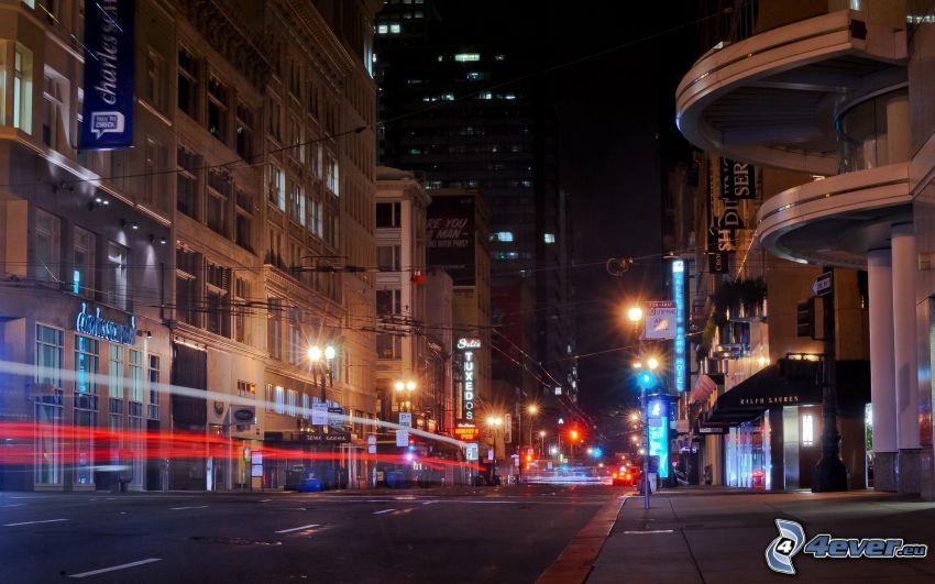 San Francisco, calle iluminada