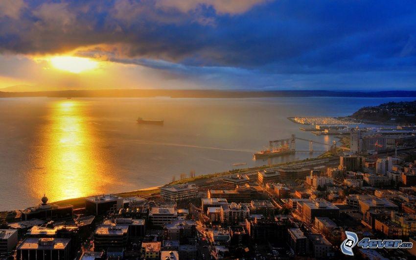 Seattle, puesta de sol sobre el mar